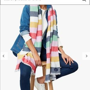 🚨JOULES Classic warn & super soft scarf🚨